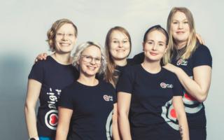 Suomen diginaiset, Joanna Niininen, Tiina Kuiri, Katri Pirhonen, Maiju Möttönen ja Janita Arkko.