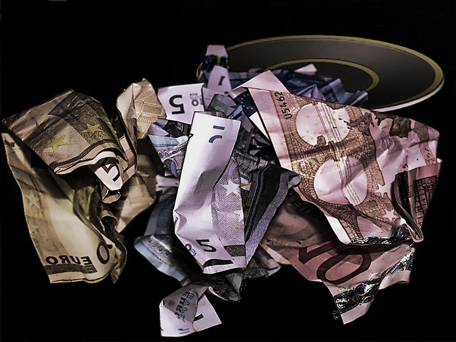 Rahaa palaa väärässä paikassa – tietoturva jää sivuosaan