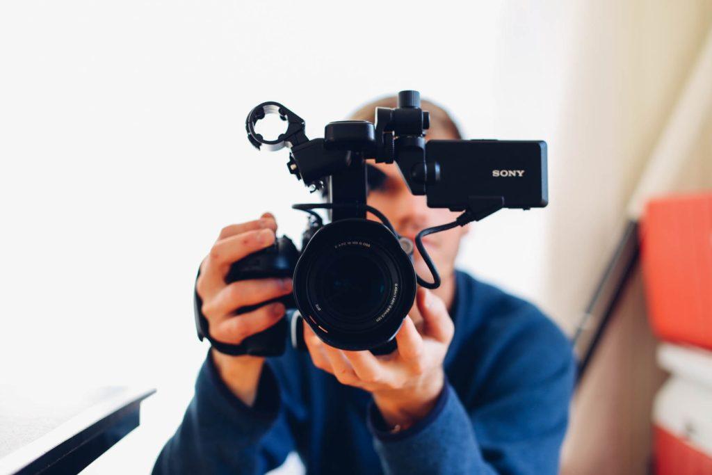 Varmuutta-videolla-esiintymiseen - Videoiden-suosio-somessa-jatkaa-kasvuaan