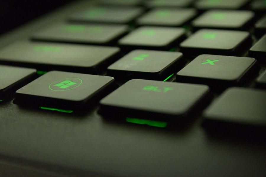 Microsoft selkeyttää ja sanelee uusia käyttöehtoja asiakkailleen