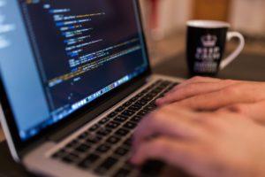 Esineiden Internet on kärsinyt imagollisesti siitä, että sen tietoturvaominaisuudet ovat lievästi sanottuna kuratasoa. Kriittisissä sovelluskohteissa taas on jouduttu käyttämään jos jonkinnäköistä purkkaviritystä, muun muassa VPN-tunnelointia.